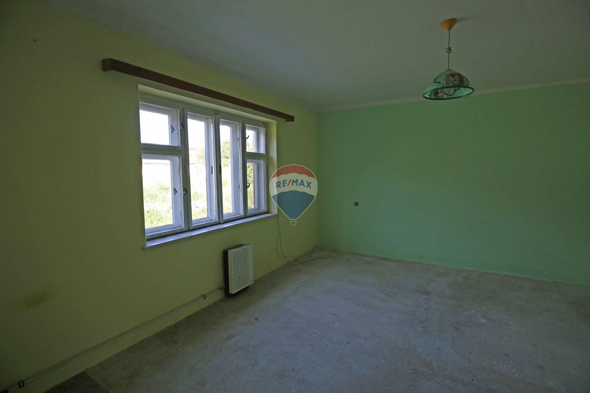 Predaj komerčného objektu 250 m2, Bobot - Predaj domu Bobot
