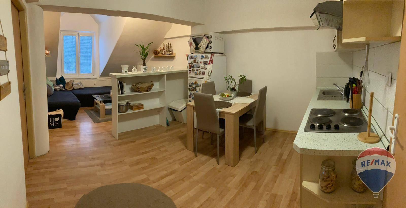 REZERVOVANÉ 2 izbový byt + KK, Trenčín, Kniežaťa Pribinu - 43 m²