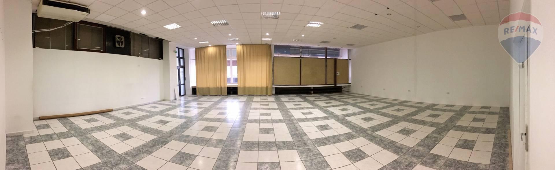 Obchodný priestor na prenájom v centre mesta Galanta, 190 m2
