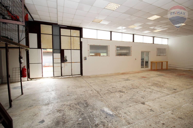 Prenájom vyhrievanej haly 135 m2 Matúškovo