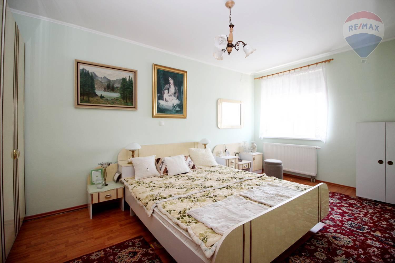 Predaj bytu (3 izbový) 74 m2, Galanta -