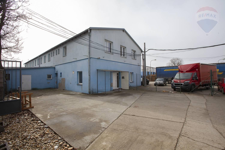 Predaj komerčného objektu v Malackách s úžitkovou plochou  640 m2