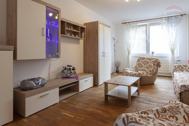 Prenájom 2 izbový byt v centre,  Malacky