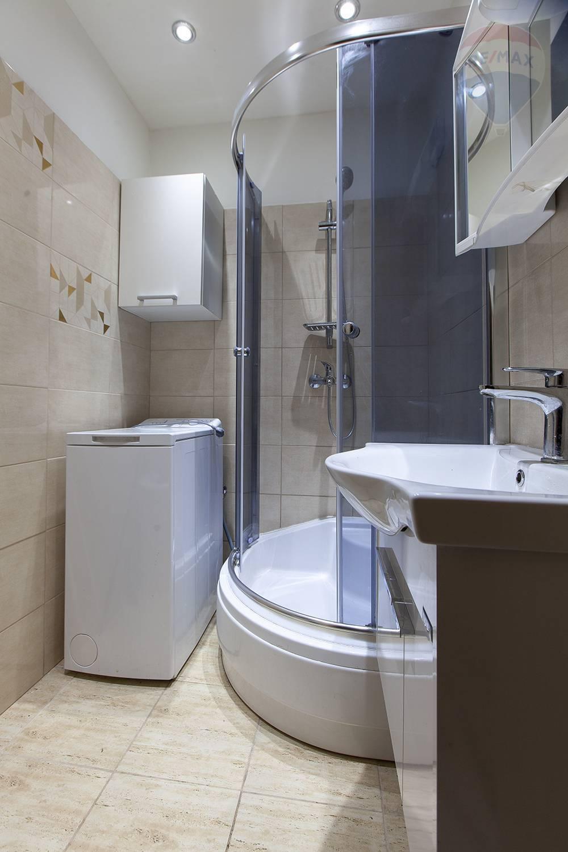 Prenájom bytu (2 izbový) 50 m2, Malacky - Kúpelňa
