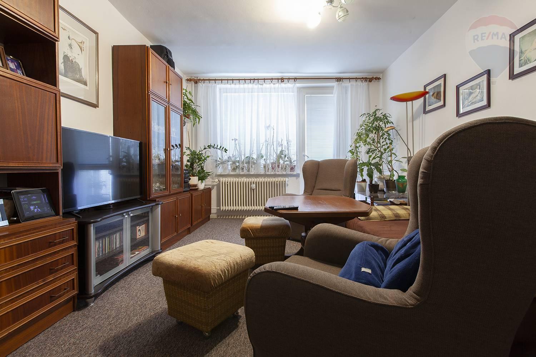 Predaj bytu (4 izbový) 80 m2, Malacky -