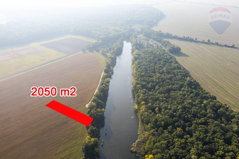 Na predaj pozemok pri Lábskom jazere