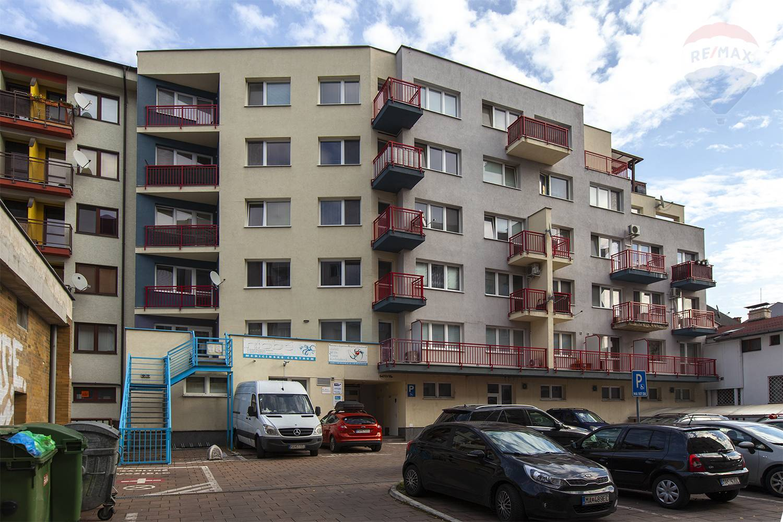Na predaj 2 izbový byt v Malackách