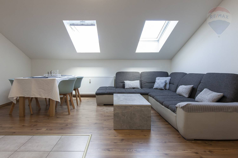 Prenájom bytu (3 izbový) 138 m2, Záhorská Ves -