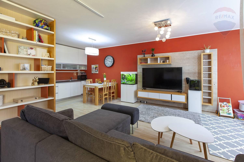 Na predaj 2-izbový byt v Devínskej Novej Vsi