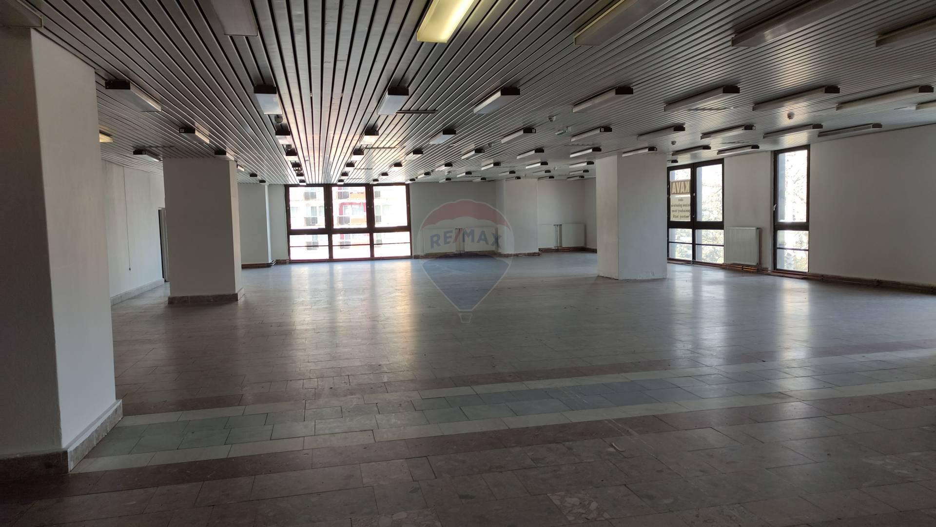 Prenájom komerčného priestoru 990 m2, Dolný Kubín