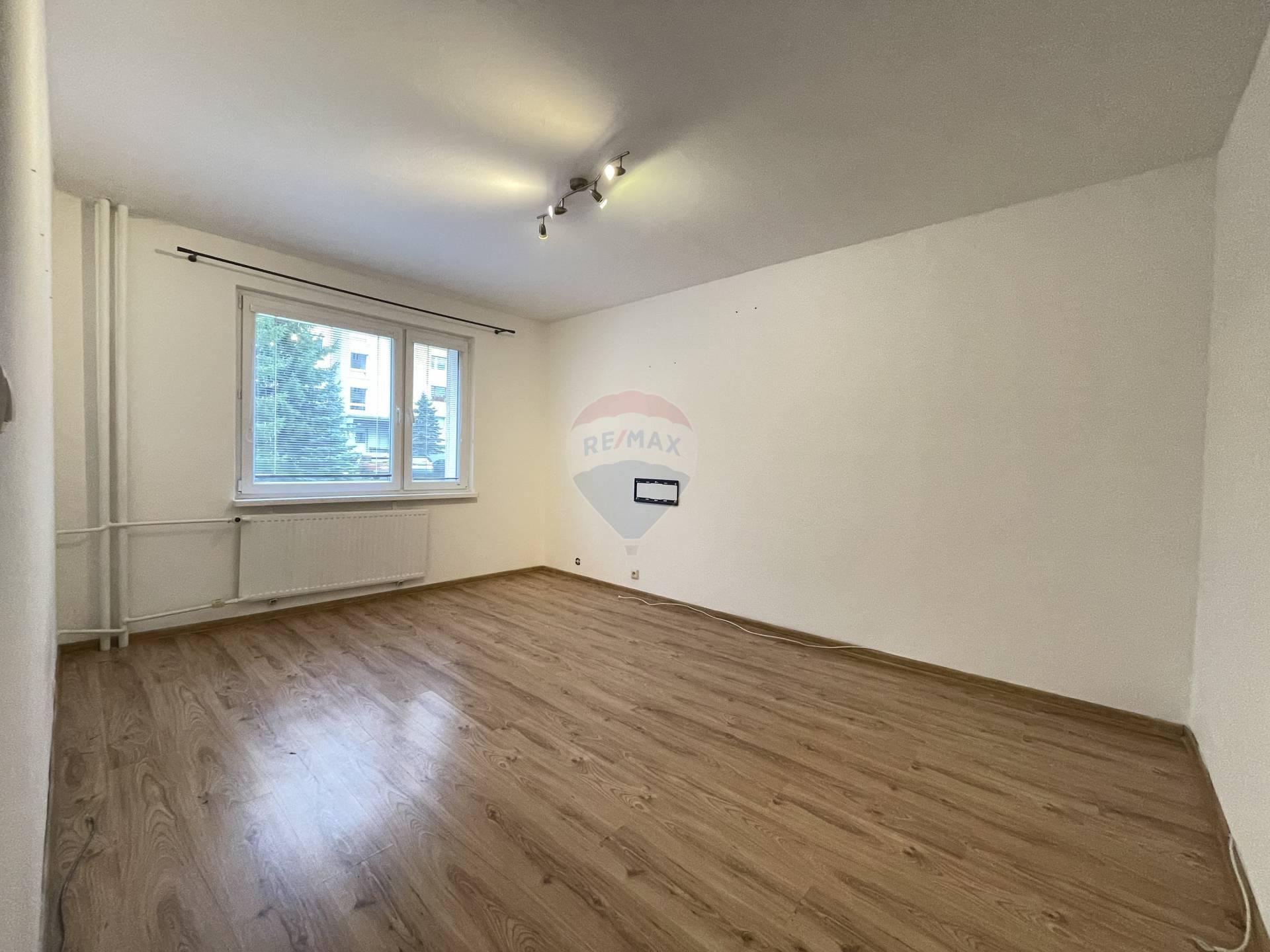 Prenájom bytu (1 izbový) 35 m2, Ružomberok - prenajom  byt RUzomberok