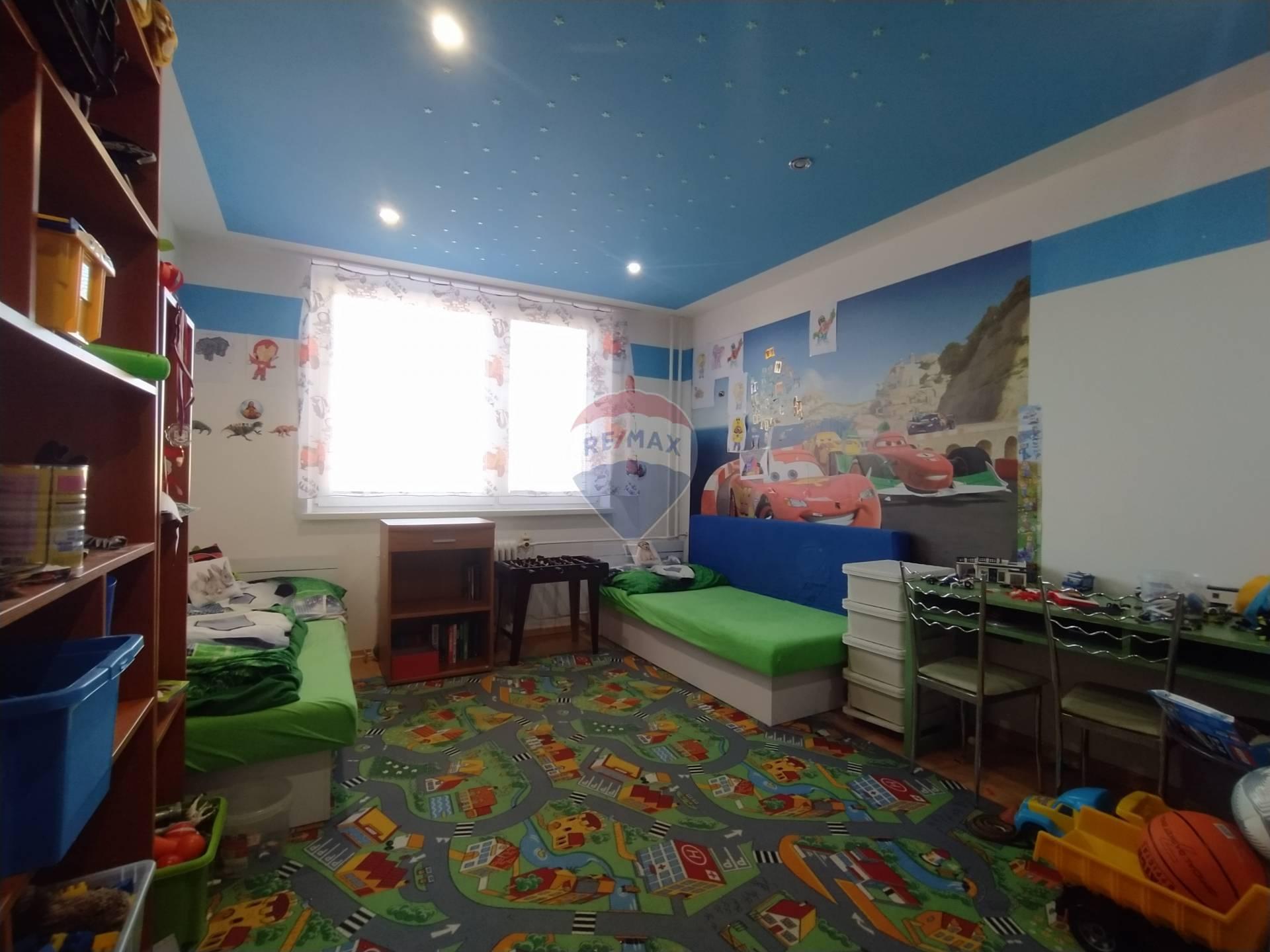 Prenájom bytu (3 izbový) 75 m2, Tvrdošín - prenajom byt Tvrdosin, Medvedzie
