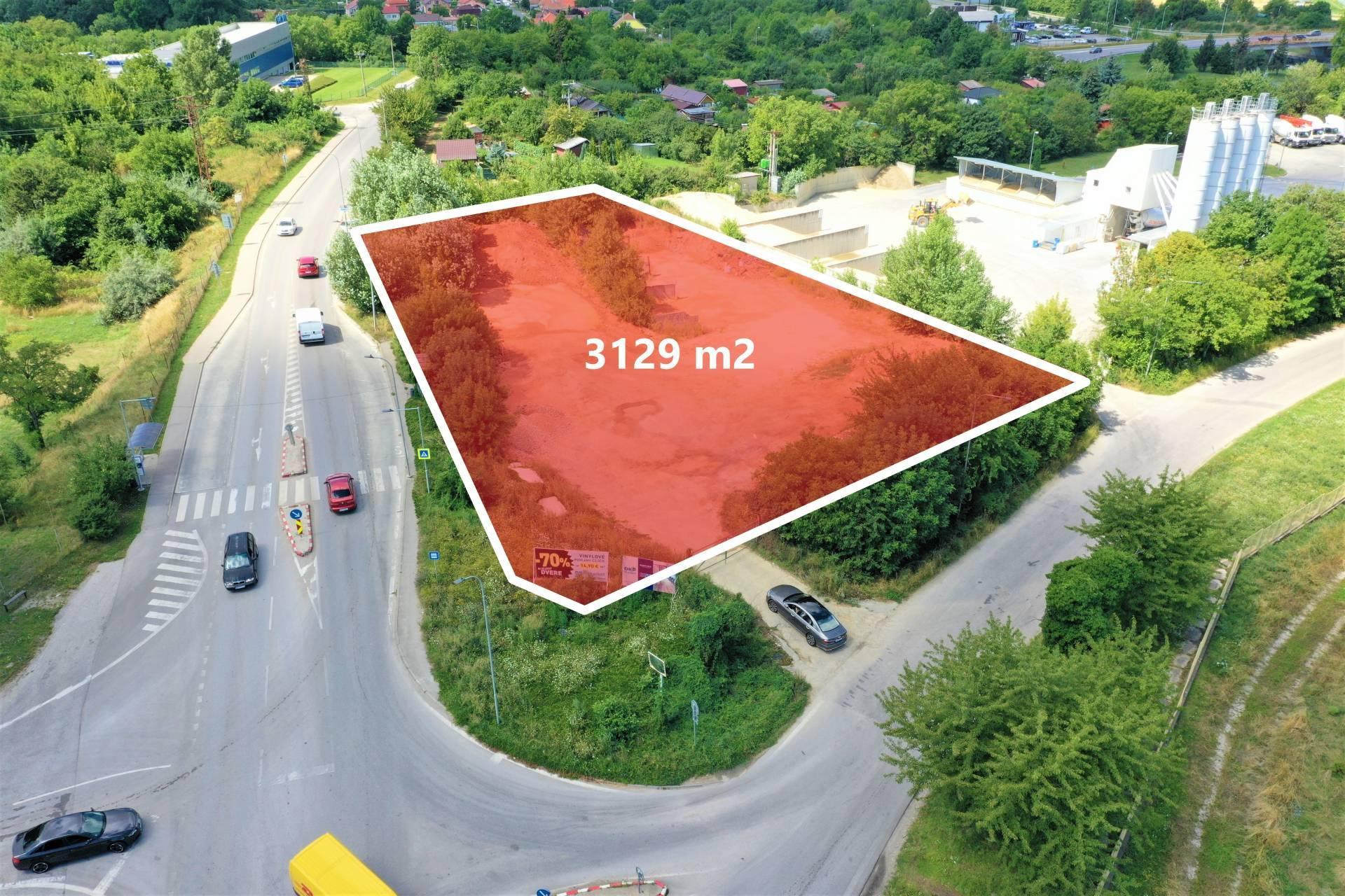 NA PREDAJ POZEMOK, NITRA - TRNAVSKÁ ULICA, 3129 m2