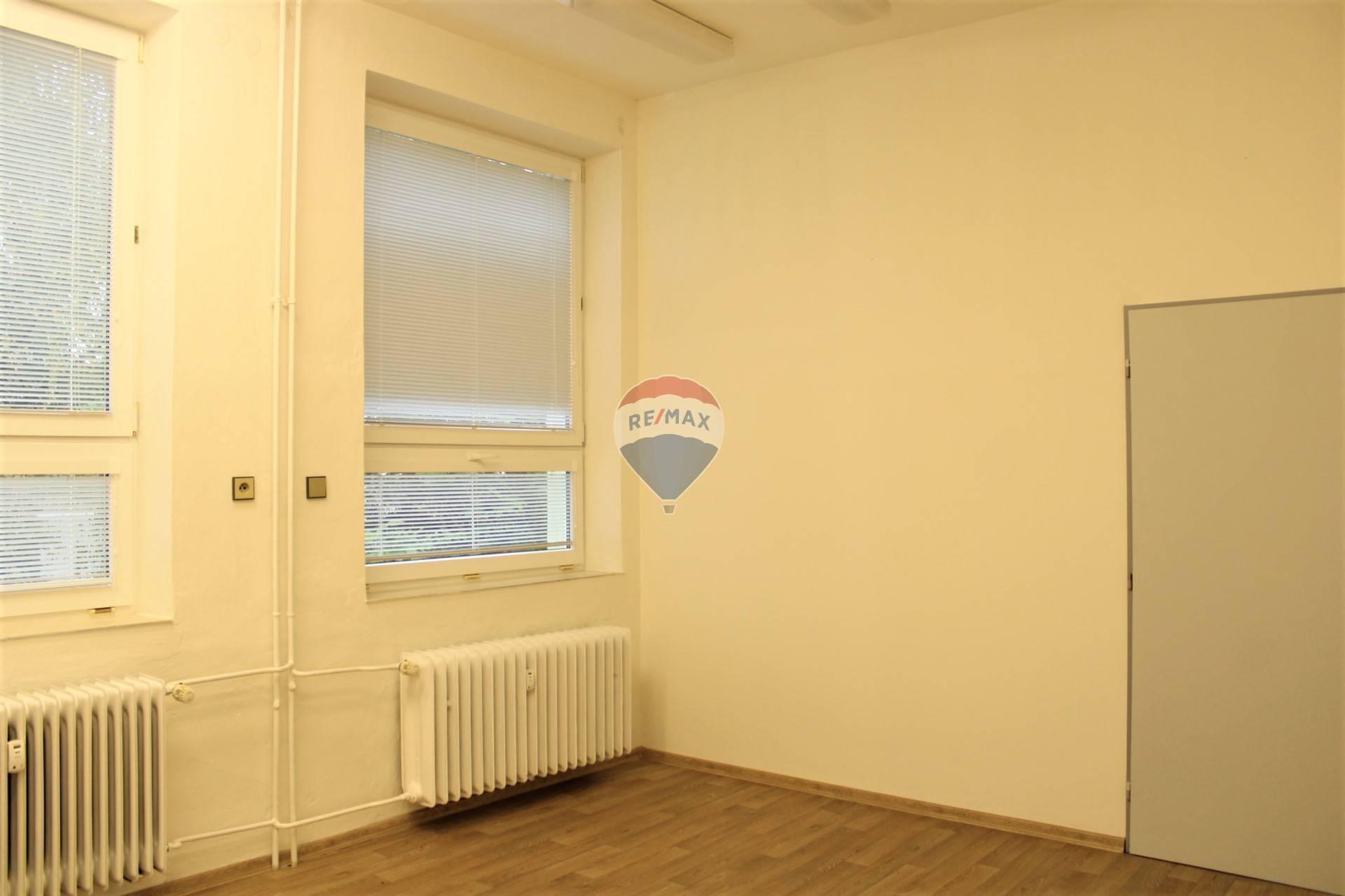 Prenájom, kancelársky priestor, Spišská Nová Ves, ul. Stará cesta,