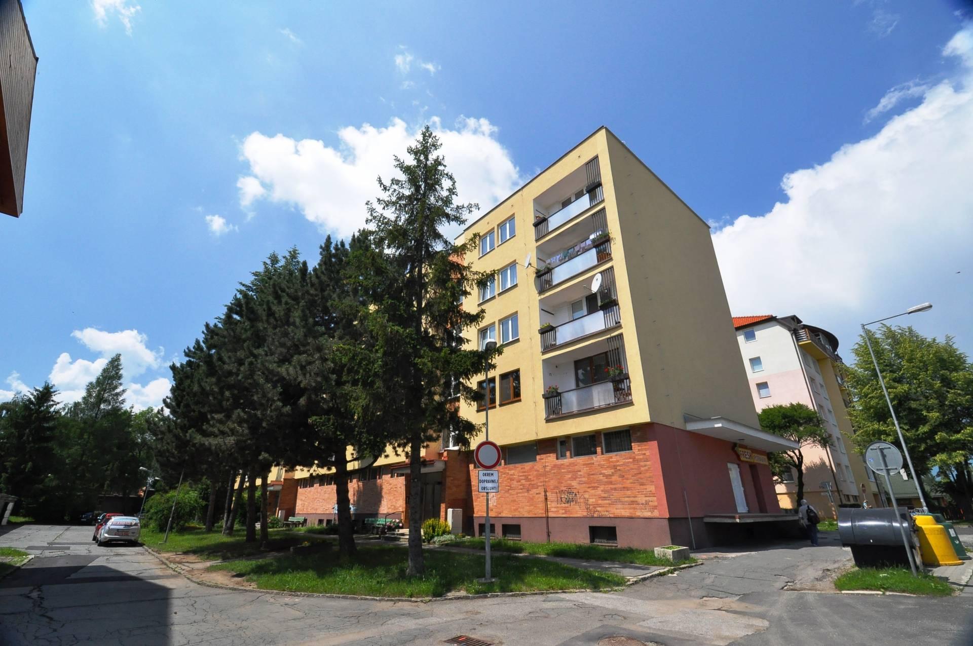 Prenájom bytu (3 izbový) 113 m2, Poprad - PRENÁJOM, 3-izbový byt, Poprad, Ul. Popradskej brigády,