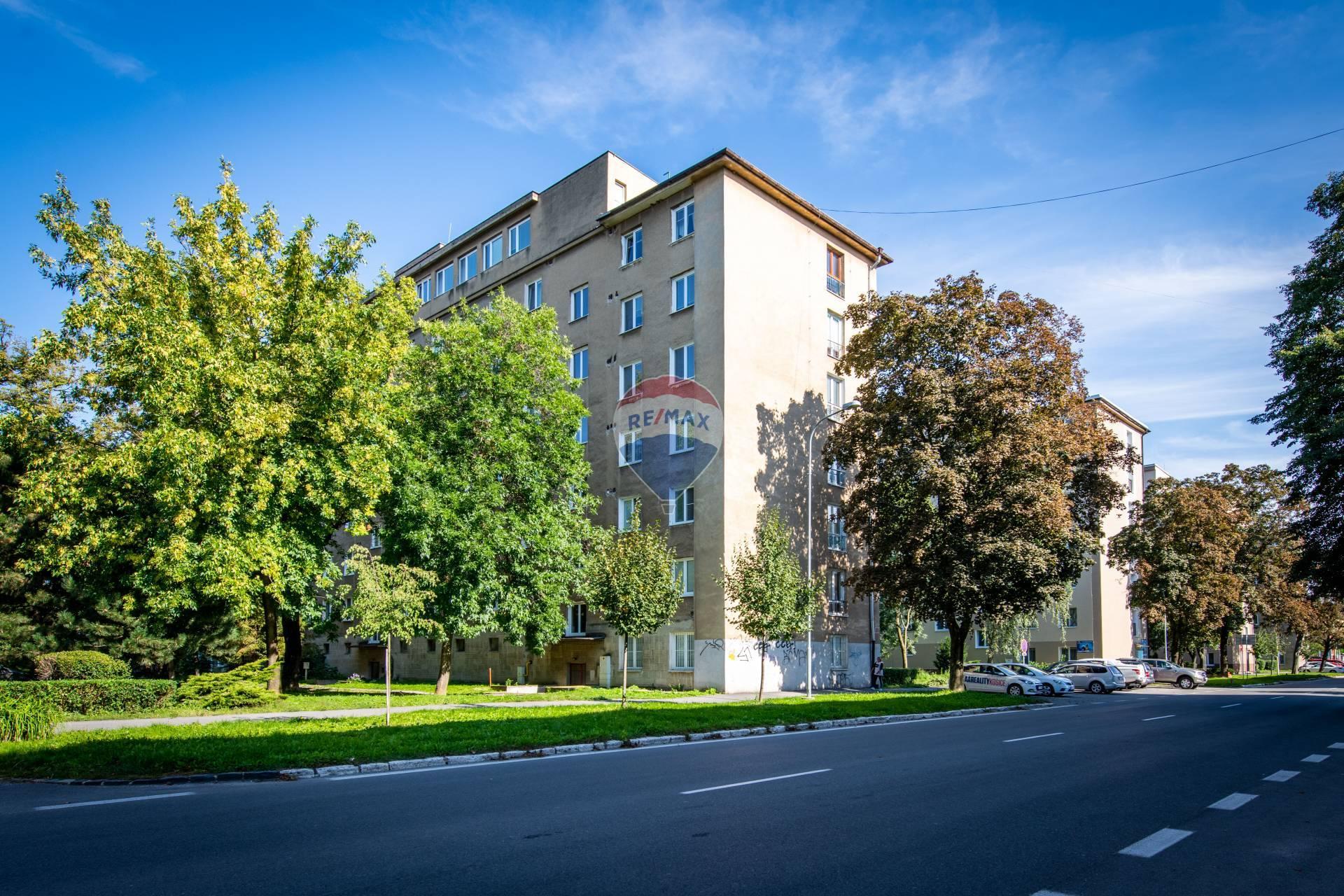 PREDAJ, 2-izbový byt, 56m2, Košice-Sever, Ul. Národná trieda,