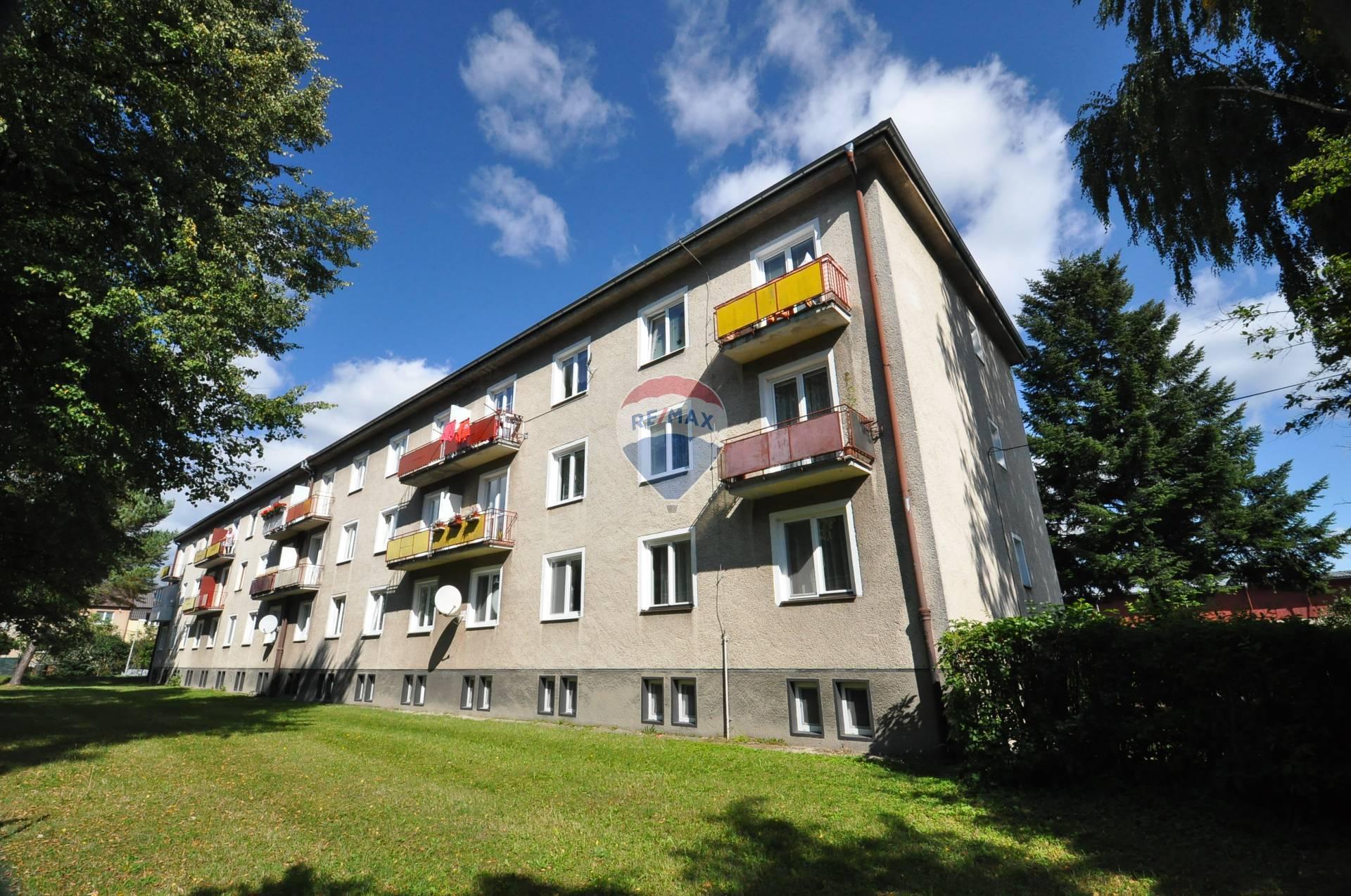 PREDAJ, 2-izbový byt, balkón, Svit, Ul. Štefánikova,