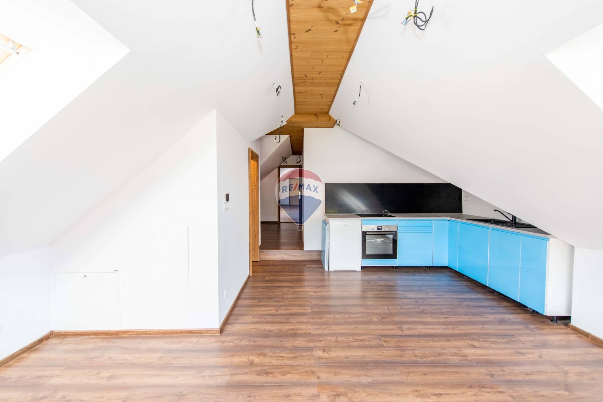 Predaj bytu (3 izbový) 79 m2, Veľká Lomnica - PREDAJ, 3-izbový byt, Apartmány Lomnica, Veľká Lomnica, Ul. Tatranská,