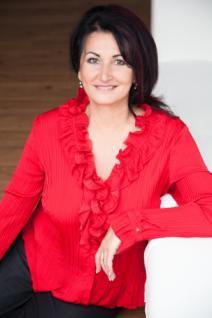 RNDr.  Iveta Repaská - hypotekárny špecialista