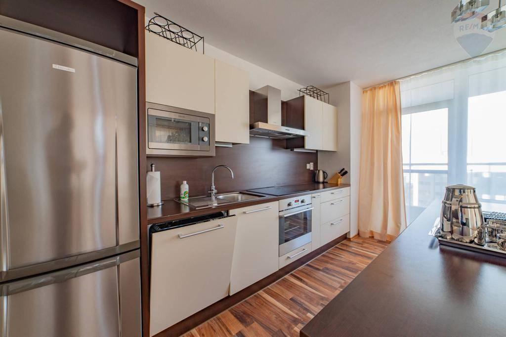 Prenájom bytu (3 izbový) 102 m2, Bratislava - Ružinov -