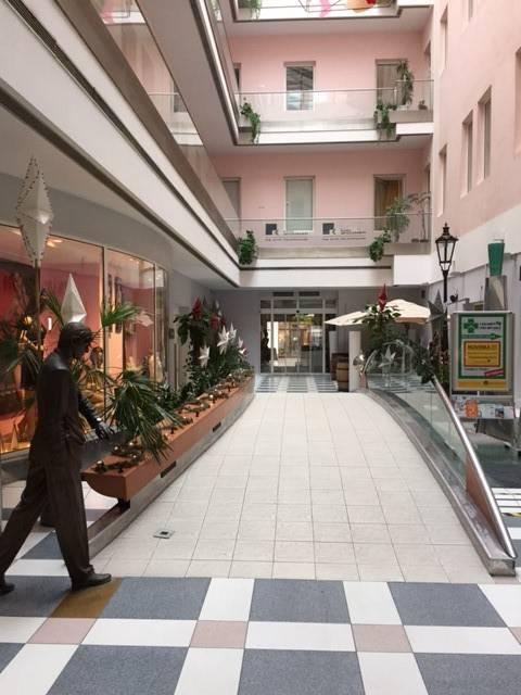 Prenájom komerčného priestoru 84 m2, Bratislava-Staré Mesto