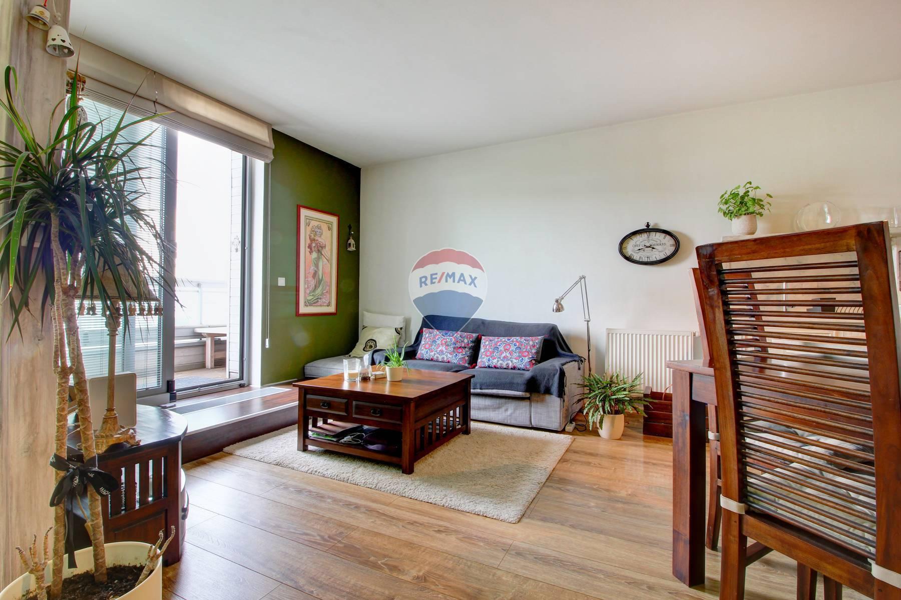 Na prenájom dizajnový 2-oj izbový byt v Mlynskej Doline