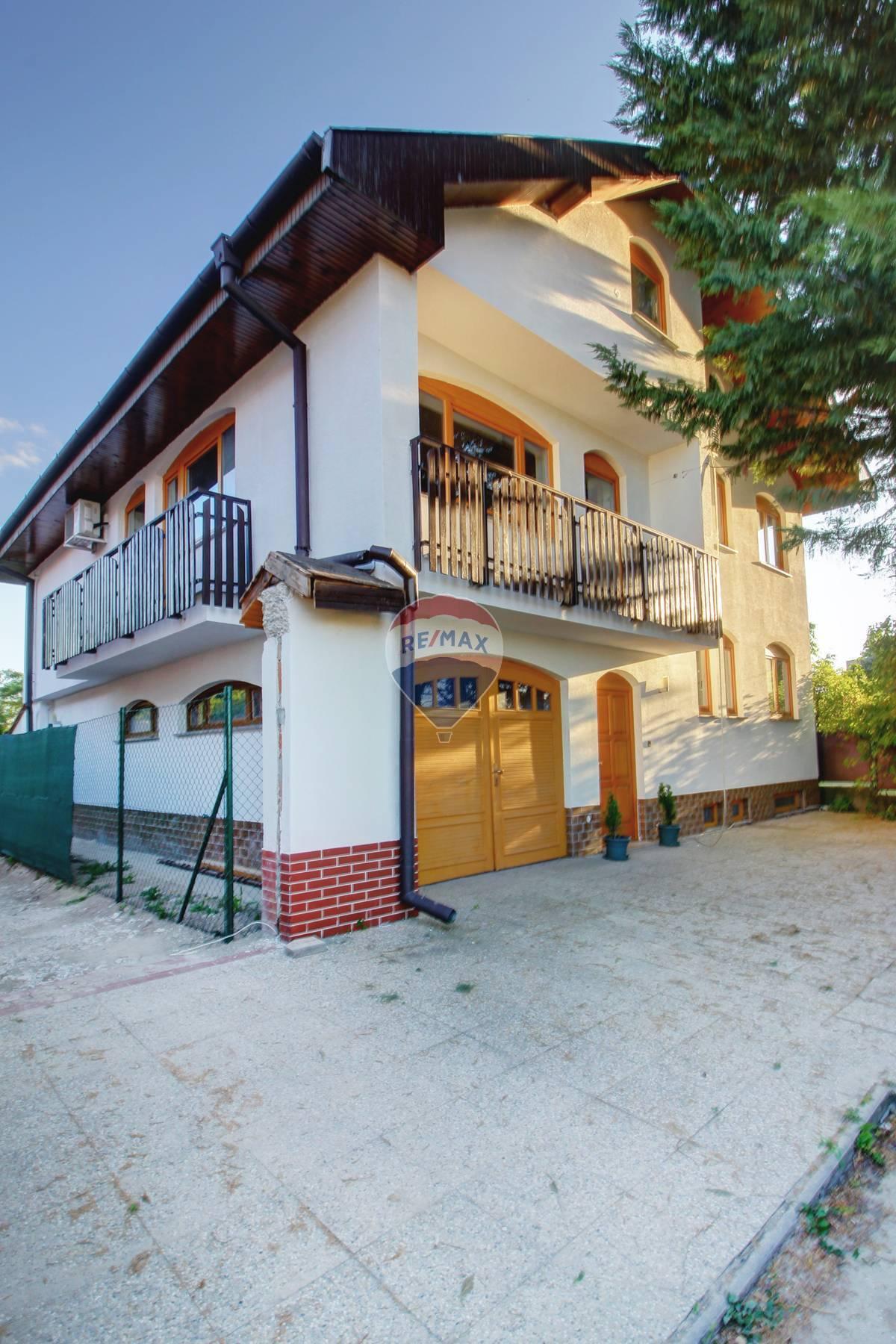 Predaj domu 383 m2, Šamorín - Na predaj 7 izbový  rodinný dom s garážou a bazénom v Šamoríne, časť Mliečno