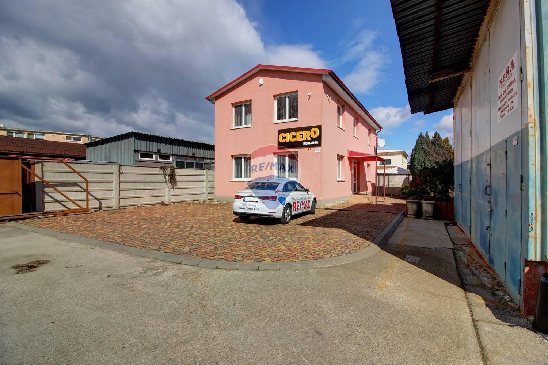 Na predaj administratívna budova 147m2 s pozemkom 280m2 Nové Mesto
