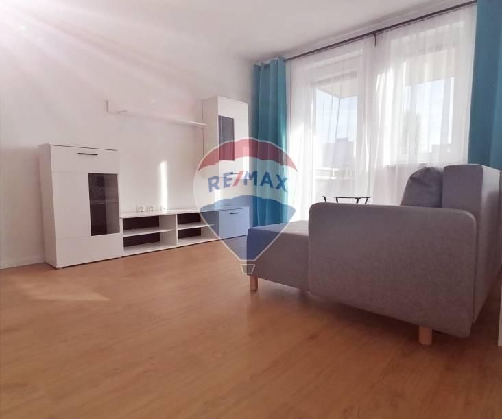 Na prenájom: 1,5 izbový byt - Pezinok