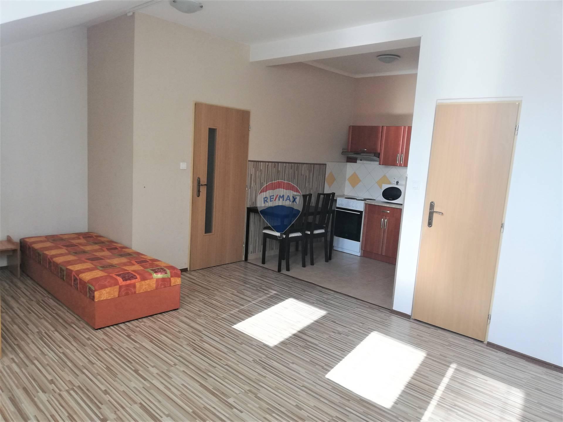 Na prenájom 1izbový byt (36,80m2) v centre mesta Šamorín