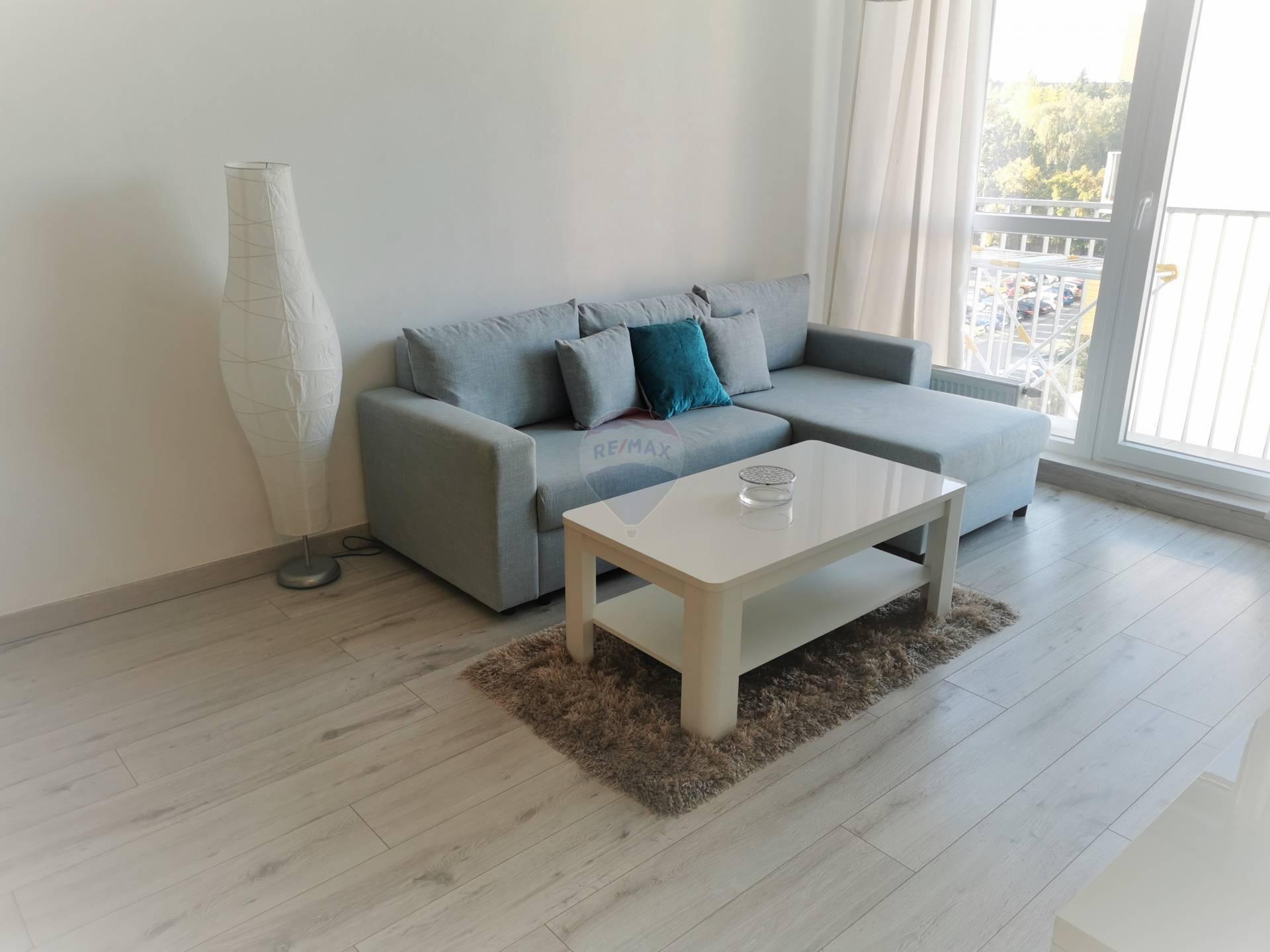 Prenájom bytu (2 izbový) 54 m2, Nitra -
