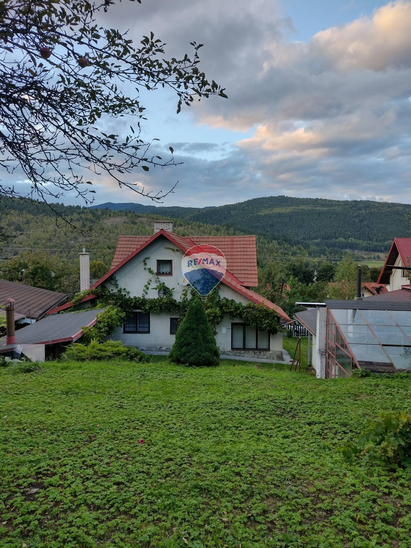 ZNÍŽENÁ CENA !!!!Rodinný dom vhodný aj ako chalupa s celkovou rozlohou pozemku až 836 m2