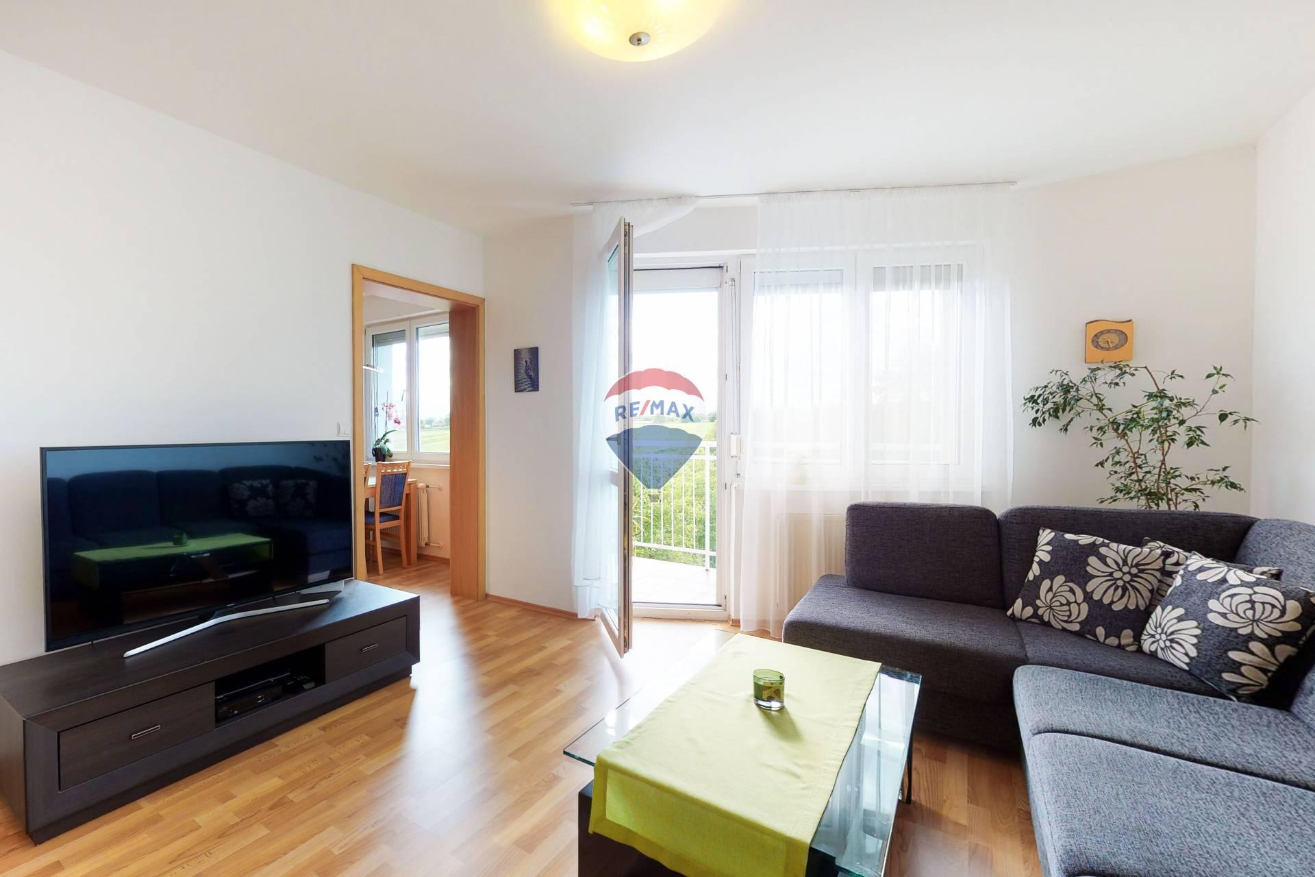 3D VIDEO: PREDAJ 4 izb. bytu, J. Farkaša, Senec, 2 balkóny, vlastné kúrenie