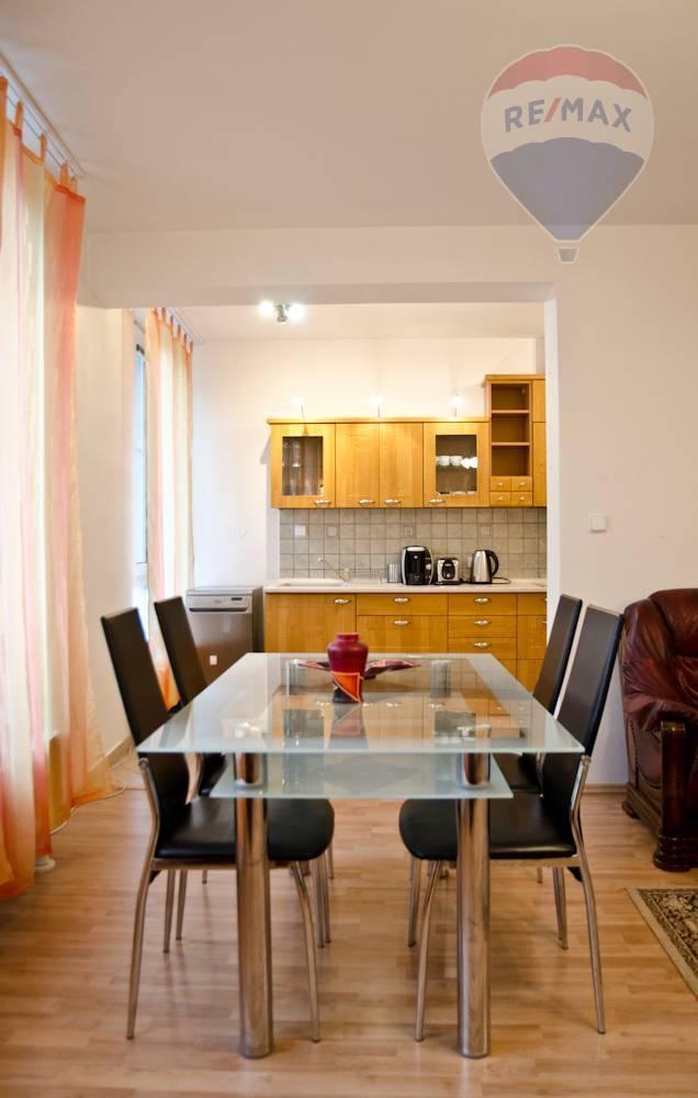 Prenájom bytu (3 izbový) 91 m2, Bratislava - Staré Mesto -